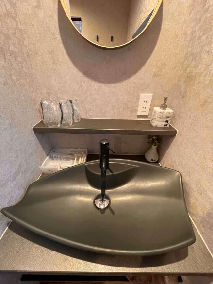 四月天401号室、洗面、御手洗いの写真1